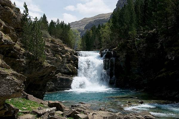 Waterfall in Ordesa