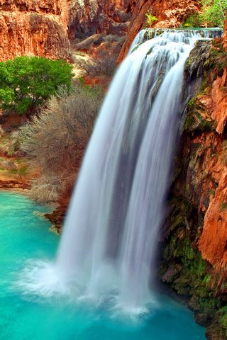 Arizona Waterfalls iPhone Wallpaper